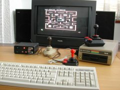 Testing the C64 DTV-2 in a new box.