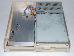 The inside of the Commodore PC-1 computer.