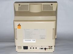 De achterzijde van de 1085S-D2 monitor.