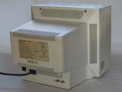 Die Rückseite der Commodore 1930 II Monitor.